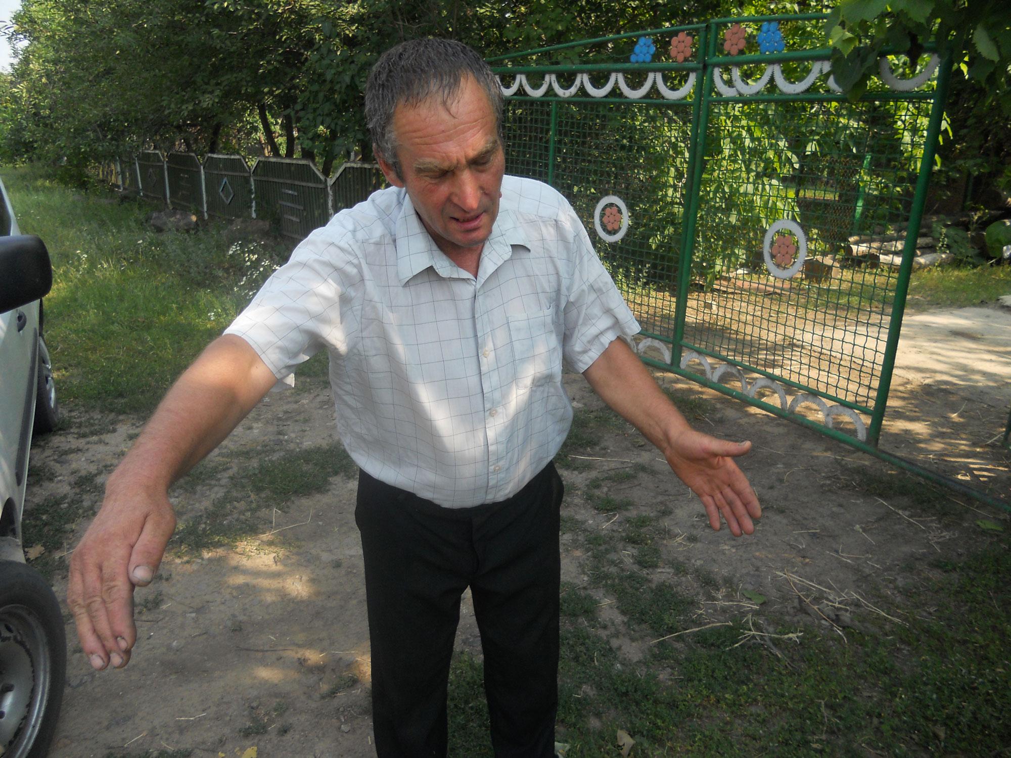 Все «окультурив», дороги загального користування поорав, – каже фермер Петро Хащук