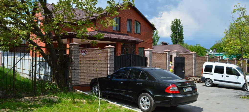 Вінницькі махінації: як на комунальних землях побудували приватні маєтки