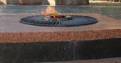 Вінничанин пропонує замінити «Вічний вогонь» потужним прожектором