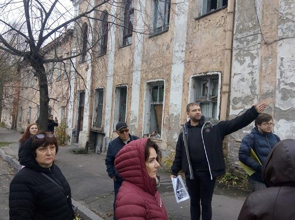 Хто забудовує центр міста та скуповує квартири, вінничани дізнались під час антикорупційної екскурсії