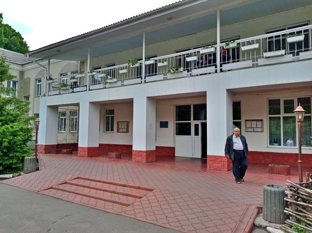 Тиврівський обласний будинок-інтернат змушений здійснювати «ковідні» закупівлі за пенсійні кошти